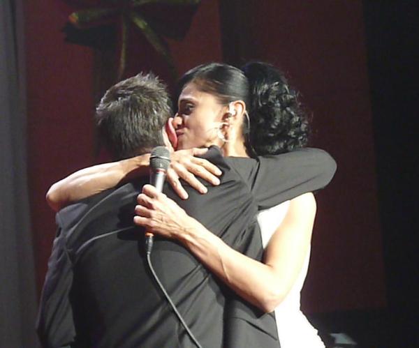 abravanel-hall-8-lupe-kissing-david-after-hugging