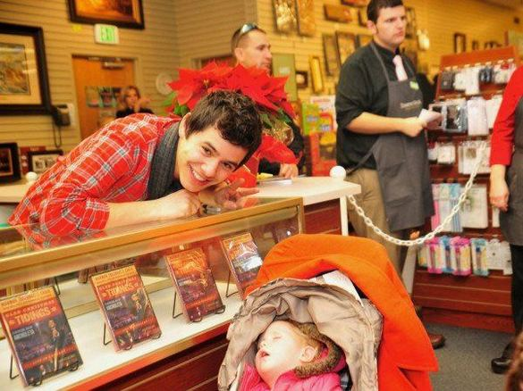 david-archuleta-and-a-baby