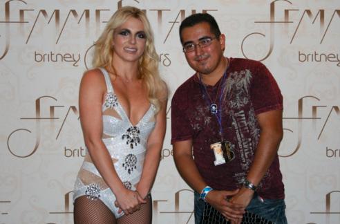 BritneyPlsDontTouchMeenhanced-16064-1395159279-2